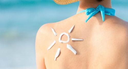Kem chống nắng bảo vệ làn da dưới tác hại của ánh nắng mặt trời.