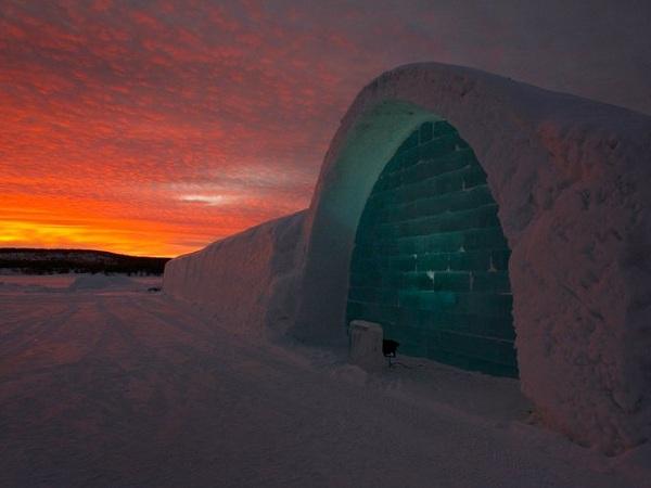 Ngủ trong một căn lều tuyết cao cấp ở Phần Lan