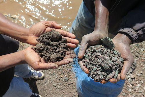 Thợ mỏ khai thác cobalt tại Congo.