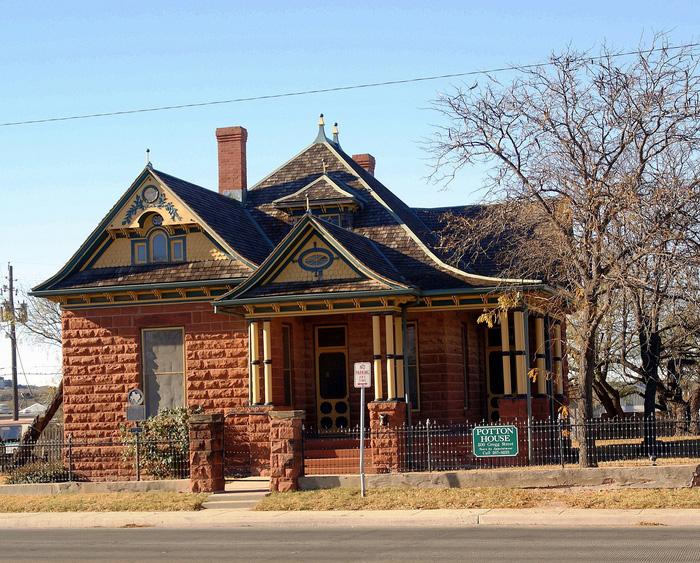 Căn nhà cổ Potton là một tài sản vô giá dành cho thành phố