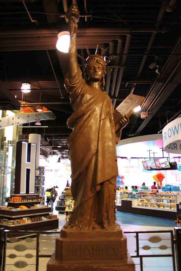 Ngắm Nữ thần Tự do bằng chocolate ở New York - New York
