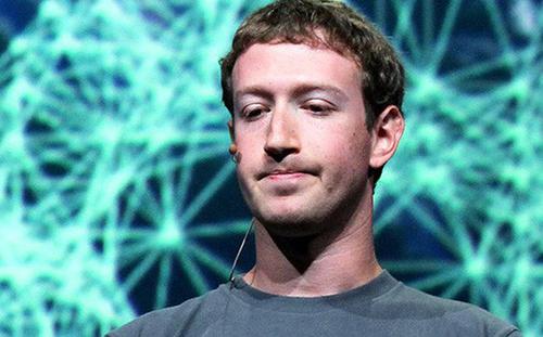 """CEO Facebook đang bất lực với chính """"con quái vật"""" do mình tạo ra?"""