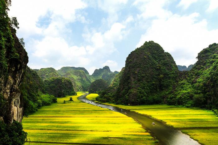 Những cách khám phá trọn vẹn vẻ đẹp Việt Nam