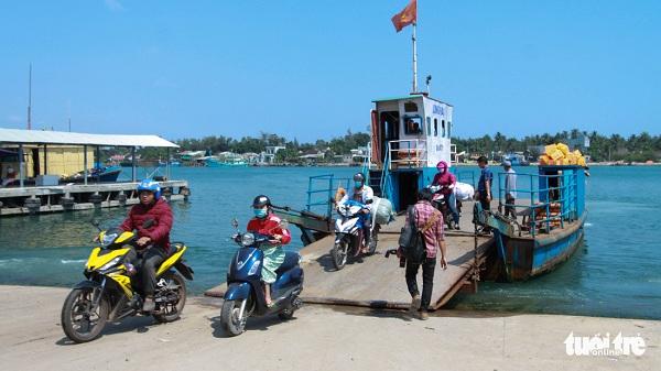Cách đất liền vài trăm mét, Tam Hải có lẽ là một trong những hòn đảo gần bờ nhất Việt Nam