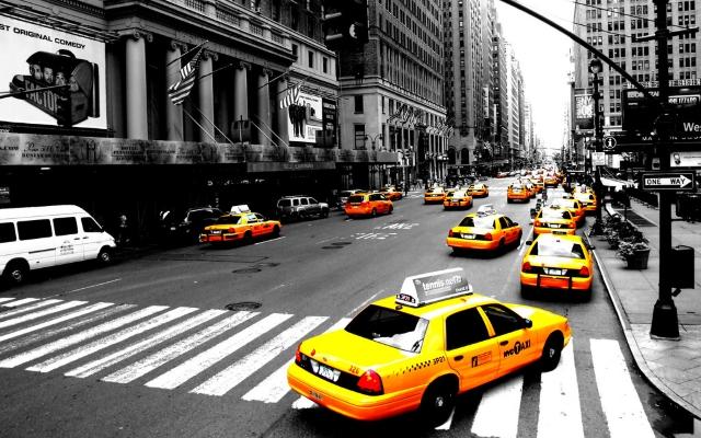 Kiểm tra số điện thoại, tìm bến đậu taxi, giữ chặt túi xách… là những điều bạn cần lưu ý khi đi taxi ở nơi lạ.